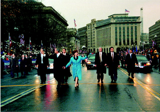 Bushes_parade_January_20,_2001.jpg